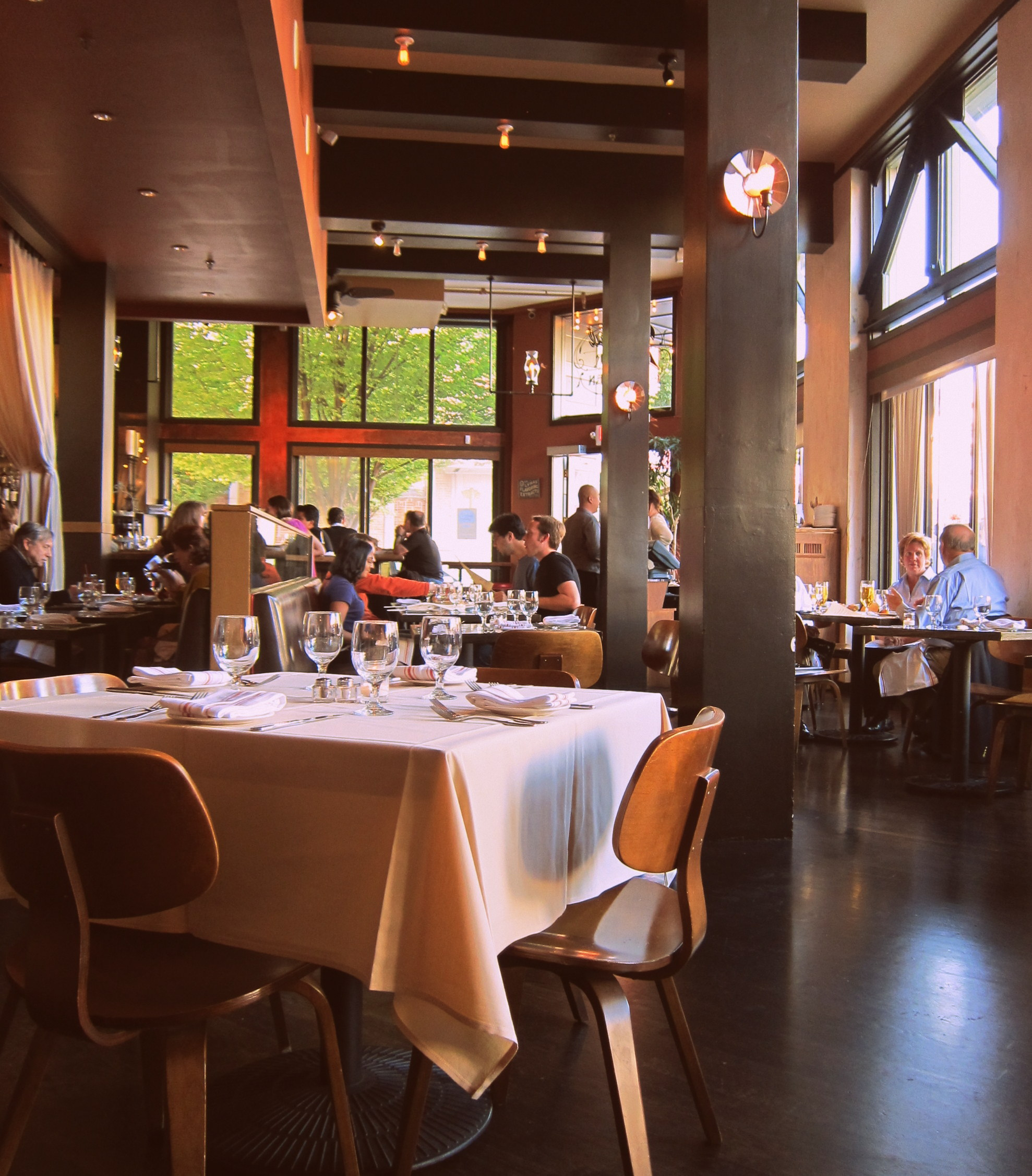 Restaurant Near Berkeley Hotel