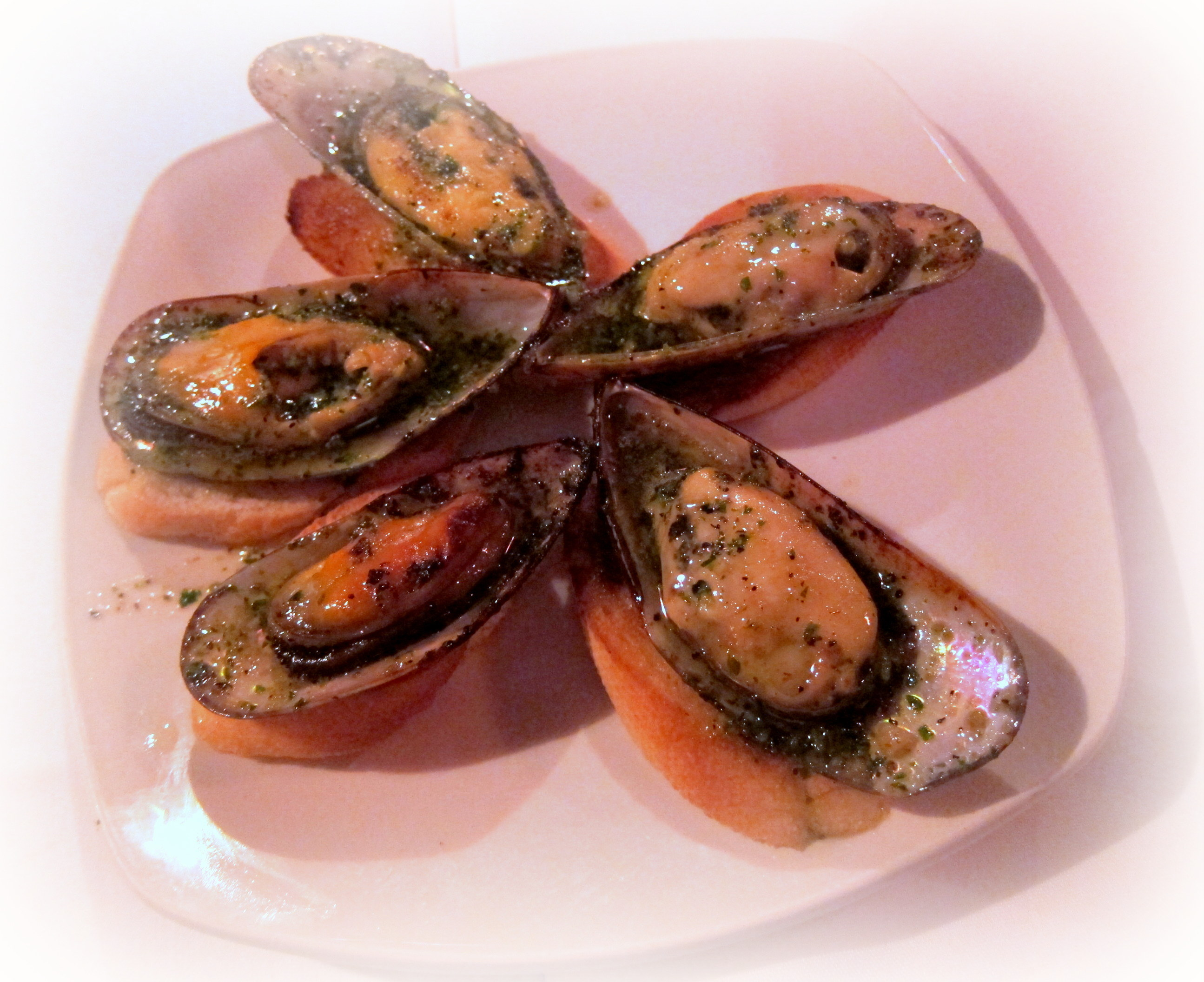 broiled mussels with hot recipe broiled mussels with 5 broiled mussels ...