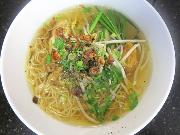 "Mi giac ngo (""enlightening noodle soup"")"