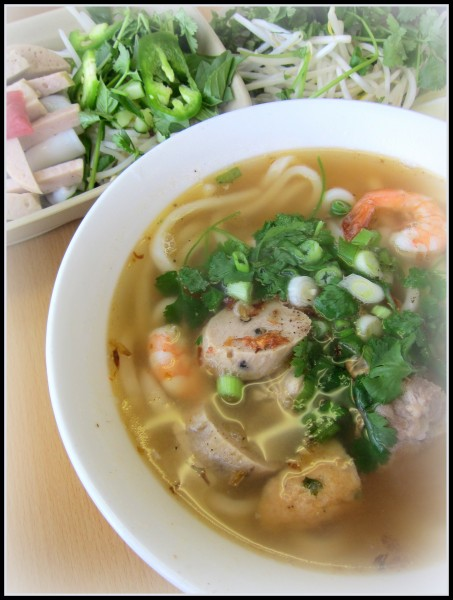 Banh canh - It's supposed to be tapioca noodle soup with short fat noodle made from tapioca and rice flour, but Ba Le uses Japanese udon instead. The broth is kept original, though.