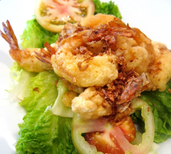 Fried shrimp with garlic butter sauce