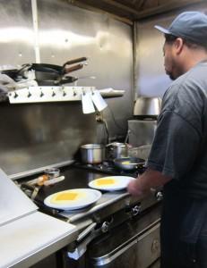 jodies-cook-preparing-grits